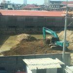 アパート前のコンドミニアム建設工事の様子 第3回