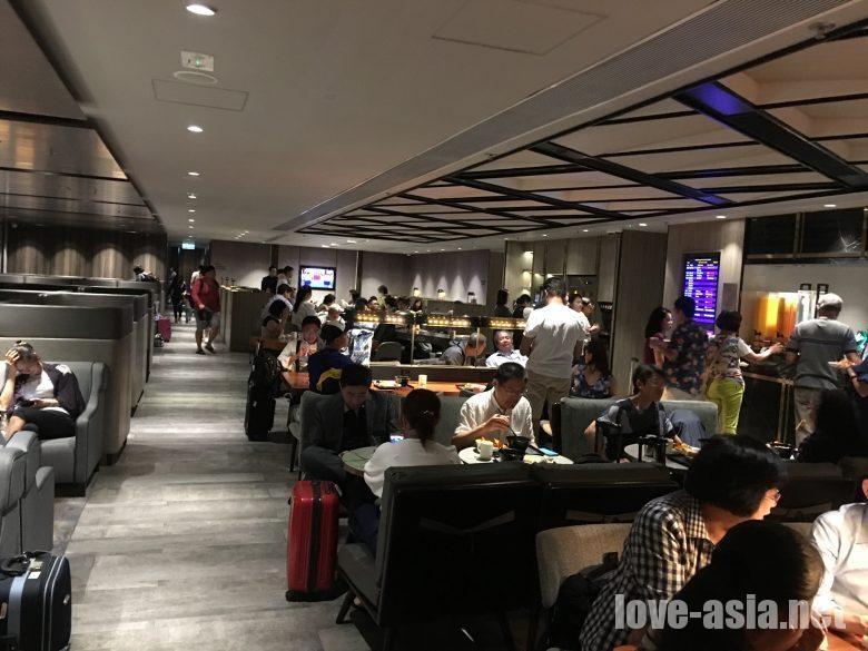 香港国際空港 ラウンジ