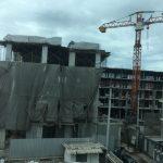 アパート前のコンドミニアム建設工事の様子 第7回