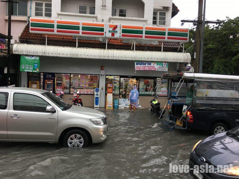 パタヤ洪水