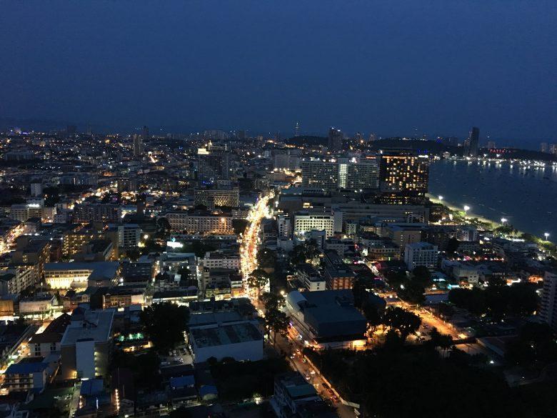 パタヤ 夜景